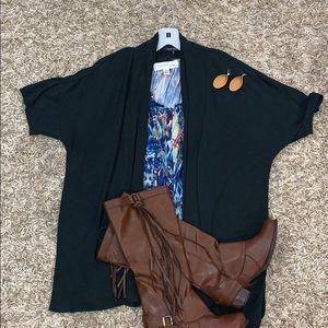 💕Laila Jayde Size 2X Short Sleeve Cardigan💕